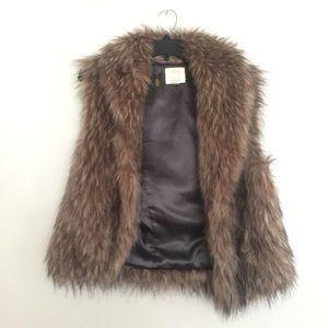 Quicksilver Faux Fur Vest ❤️